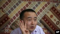哈萨克斯坦著名活动人士比拉什 (资料照片)