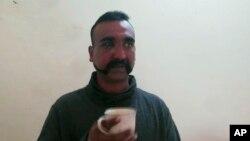 خلبان اسیر شده هند
