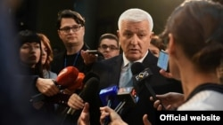 Crnogorski premijer Duško Marković obraća se novinarima posle premijerskog sata u Skupštini Crne Gore (gov.me)