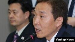 지난 22일 개성공단 종합지원센터에서 열린 남북 당국간 5차 실무회담에서, 남측 수석대표인 김기웅 통일부 남북협력지구지원단장이 발언 하고 있다.