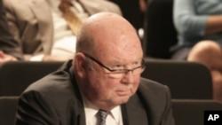 波提亚斯法官接受参议院质询
