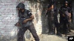 拉合爾警方搜捕激進份子。