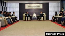 台灣海基會董事長林中森和前海協會會長陳雲林進行會晤 (海基會提供)