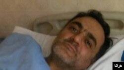 سعید ملک پور ده سال در ایران در زندان نگهداری شده و بخشی از این مدت در سلول انفرادی بود.