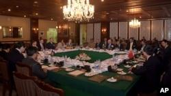 نشست مسقط امروز با حضور نمایندگان افغانستان، پاکستان، امریکا و چین برگزار شده است