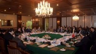 این نشست را معینان وزارتهای خارجۀ افغانستان و پاکستان رهبری میکنند که نمایندهگان چین و امریکا نیز در آن حضور دارند.