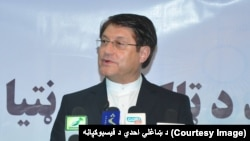 احدی می گوید که افغانها به دلیل بیاعتمادی بر حکومت فعلی، در مورد آیندۀ شان نیز بیباور شده اند.
