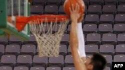 Американские и китайские баскетболисты подрались в Пекине