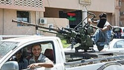 مخالفان قذافی به زادگاه او نزدیک می شوند