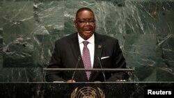 Le président du Malawi Peter Mutharika, donne un discours aux Nations unies, à New York, le 20 septembre 2016.