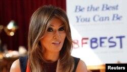 """Bà Melania Trump hồi tháng 5 đã ra mắt """"Be Best,"""" cương lĩnh chính thức của bà trong vai trò đệ nhất phu nhân. Chương trình này tập trung vào trẻ em với ba trọng tâm chính là phúc lợi, chiến đấu với nạn lạm dụng chất opioid và hành vi tích cực trên mạng xã hội."""