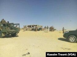 La Fama patrouille dans le cercle d'Ansongo, région de Gao, au Mali, le 13 mars 2017. (VOA/Kassim Traoré)