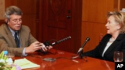 Клинтон: САД се фокусираат на санкции спрема Иранската револуционерна гарда