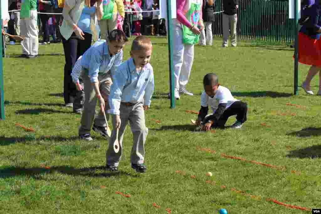 Miles de niños invadieron la Casa Blanca para participar de la tradicional celebración del Lunes de Pascua en la Casa Blanca.