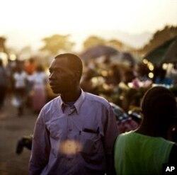 Un électeur sud-soudanais