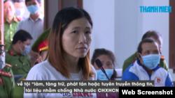 Bà Trần Thị Tuyết Diệu tại phiên tòa ngày 23/4/2021. Photo chụp từ báo Thanh Niên
