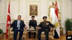 ترک صدر مصر کے دور ے پر، اقتدار کی شفاف منتقلی پر زور