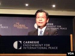 台灣代表團由台灣外貿協會董事長、前經濟部次長梁國新(美國之音 鍾辰芳拍攝)