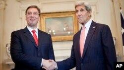 Premijer Srbije Aleksandar Vučić i američki državni sekretar Džon Keri uoči razgovora u Državnom sekretarijatu