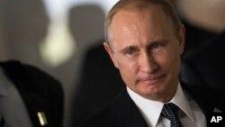 """""""[El incidente] no hubiera tenido lugar si Kiev no hubiera renovado las hostilidades en el sureste de Ucrania"""", dijo Vladimir Putin."""