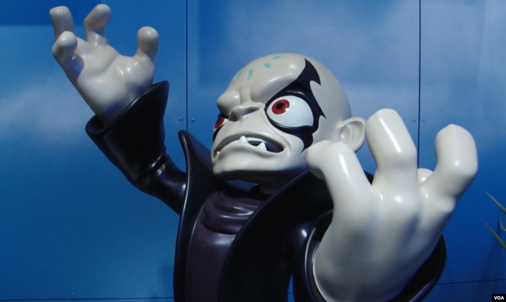 بازی «اسکای لندرز» از شرکت اکتیویژن توانسته بیش از ۲ميلیارد دلار در فروش نرم افزاری و بیش از ۱۷۰ ميلیون دلار از محل فروش عروسکهای شخصیتهای بازی در آمد حاصل کند.