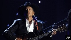 George Strait ha iniciado su gira artística de despedida.