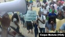 Estudantes da Universidade Católica de Angola protestam contra aumento de propinas