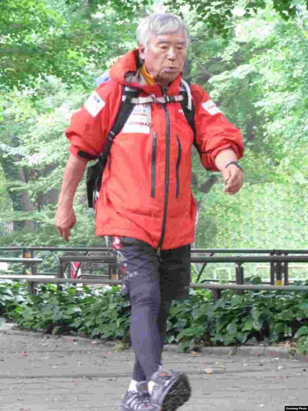 Yuichiro Miura training in Tokyo for his 2013 climb up Mount Everest. (Miura Dolphins)