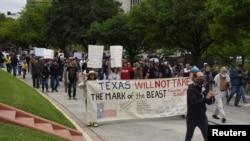 Teksas'ın başkenti Austin'de Cumartesi günü yapılan protesto
