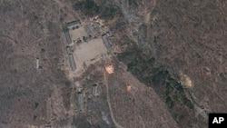 지난 달 위성으로 촬영한 북한 풍계리 핵 실험장 사진.