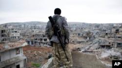 ABŞ-ın təlim keçdiyi suriyalılar İŞİD-ə qarşı döyüşlərdə effektiv olmayıblar.