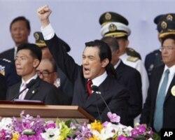 台湾总统马英九10月10日在台湾纪念辛亥革命100周年的百年国庆典礼上发表讲话