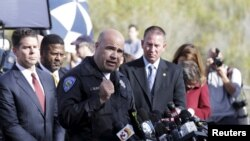 美国加州圣贝纳迪诺警察局长布尔甘在记者会上讲话。 (2015年12月3日)