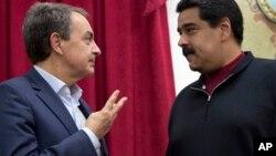 Maduro y el expresidente español, José Luis Rodriguez Zapatero conversaron sobre los avances del diálogo en el Palacio de Miraflores.
