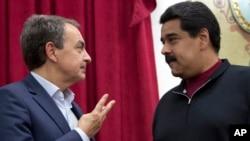 Esta reiteración de la invitación al diálogo de Maduro a sus opositores, se da en un momento de tensión política e institucional entre ambos.