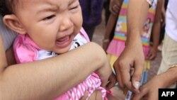 Vakcinacija dece u Kambodži