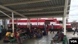 Caminhos de Ferro de Moçambique, um dia na estação de Moatize