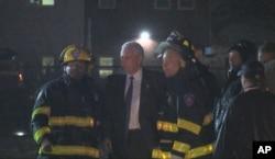در این حادثه به کسی آسیب نرسید و مایک پنس از در عقب هواپیما خارج شد
