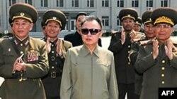 Лідер Північної Кореї Кім Чен Ір під час візиту у Китай