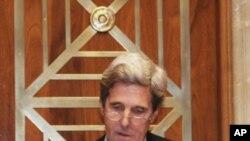 参议院外交委员会主席克里主持听证