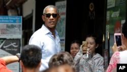 美国总统奥巴马在万象一处购物地区
