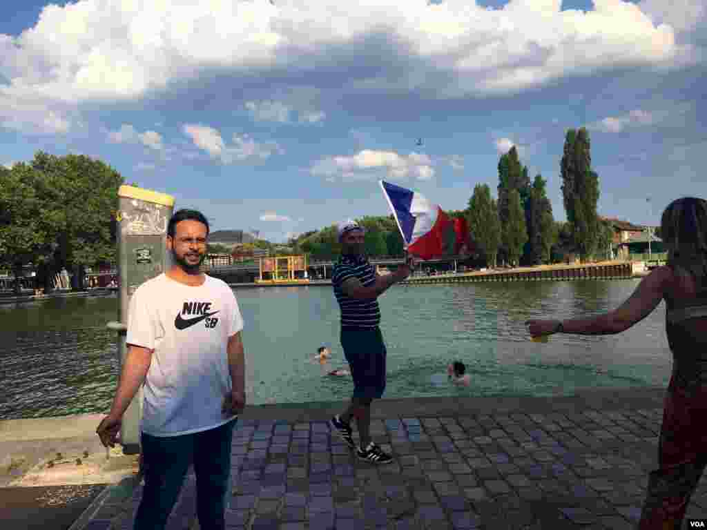 Some World Cup fans dove into this canal in northern Paris to celebrate their team's victory, in Paris, France, July 15, 2018. (L. Bryant/VOA)