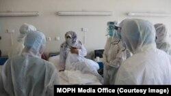 افغانستان کې د کرونا ویروس د ټولو مثبتو پېښو شمېر ۳۸۵۲۰ ته ورسېد