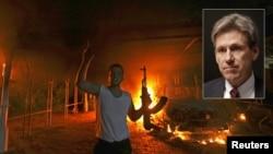 11일 리비아 주재 미국 영사관에서 시위대의 공격으로 화재가 발생하고, 리비아 주재 미국 대사가 사망했다. 작은 사진 속 인물은 사망한 크리스토퍼 스티븐스 대사.