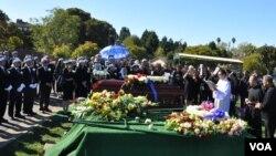 Đám tang thày tôi ngày 14/10/2017 tại Nghĩa trang Saint Joseph, ở San Pablo, California (Ảnh gia đình)