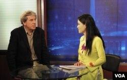 Trà Mi phỏng vấn ông Brad Adams, Giám đốc phụ trách khu vực Châu Á của tổ chức Human Rights Watch về vấn đề nhân quyền Việt Nam.