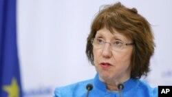Kepala kebijakan luar negeri Uni Eropa Catherine Ashton memperingatkan bahwa UE mempertimbangkan tanggapan atas eksekusi napi di Gambia (foto: dok).