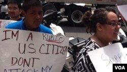 Lucía Allain, una joven indocumentada, le preguntó a Romney por qué ella no tiene oportunidades para cumplir sus sueños.