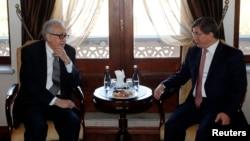 联合国叙利亚问题特使卜拉希米10月25日在安卡拉会晤土耳其外长达乌特奥卢