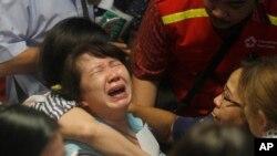 Máy bay AirAsia chở 162 người mất tích